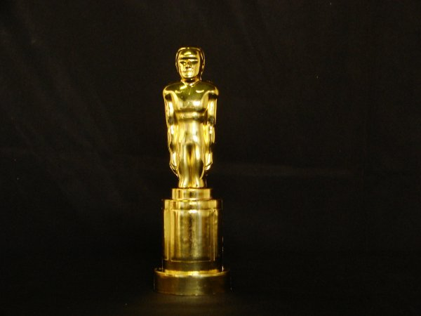 Awards statue (gold plastic)