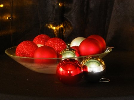 Baubles assorted - Gold/Red/Green