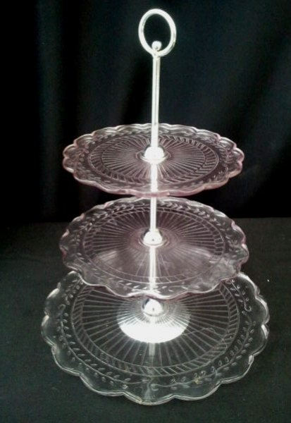 Cake stand, pink glass 3 tier