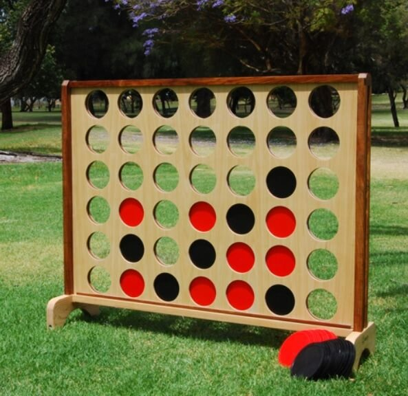 Connect 4, Giant
