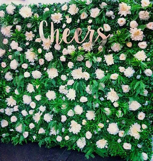 Flower wall (freestanding with feet)